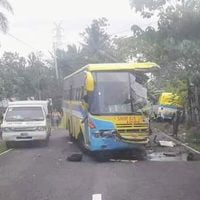 1 Dead, Several Others Injured in Samar Bus Collision
